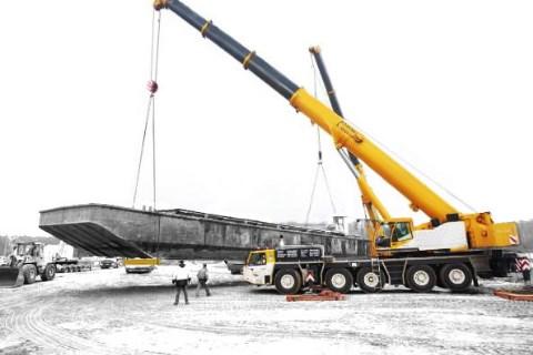 Cranes: Tadano Faun ATF 220G-5 EM 3B